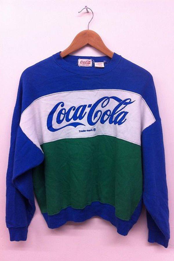 felpa Coca Cola, trend moda, Napoli, liberato, street wear