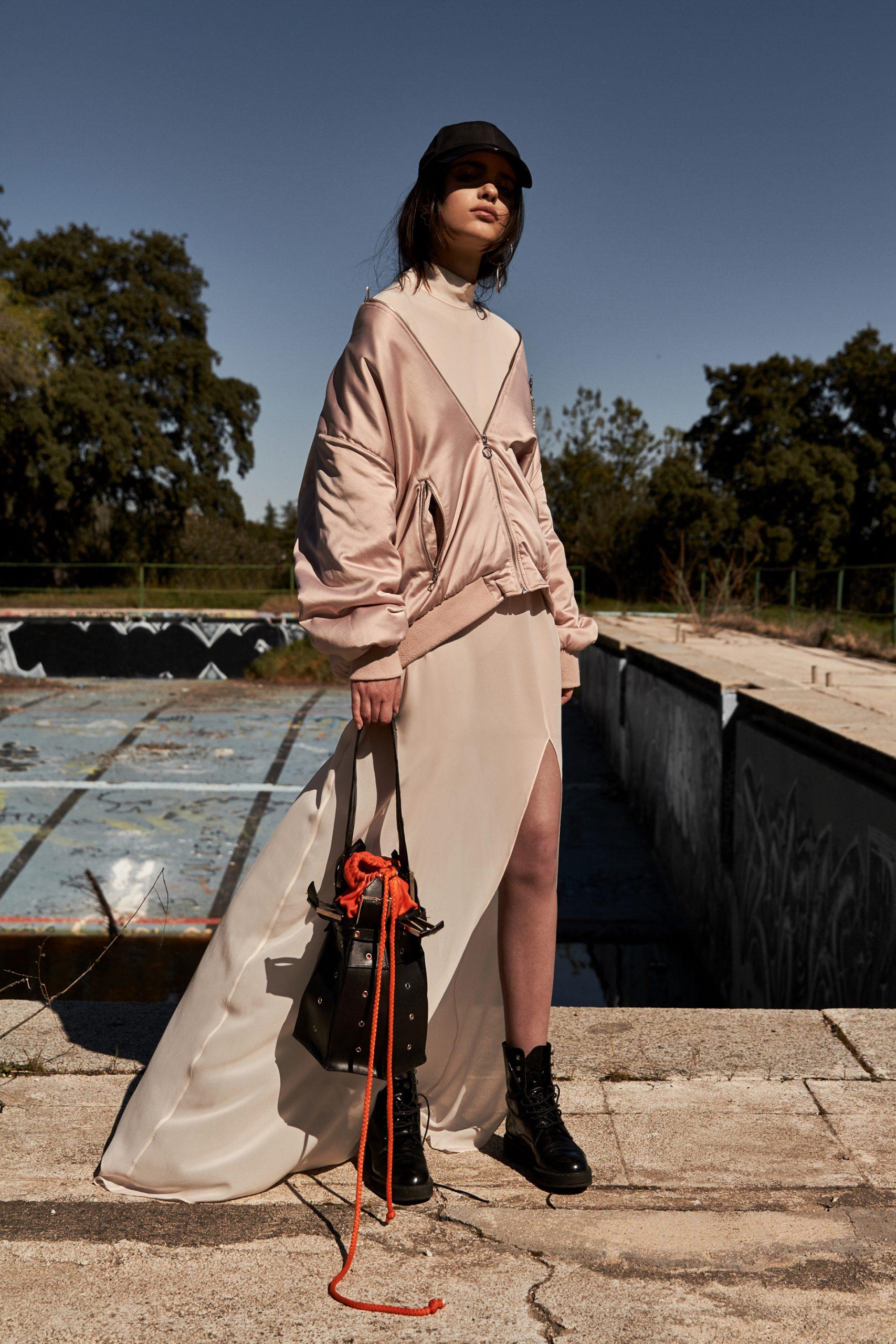 editoriale moda, fashion editorial, the fashion atlas, broad shoulders, Maria Sague Esquivias,