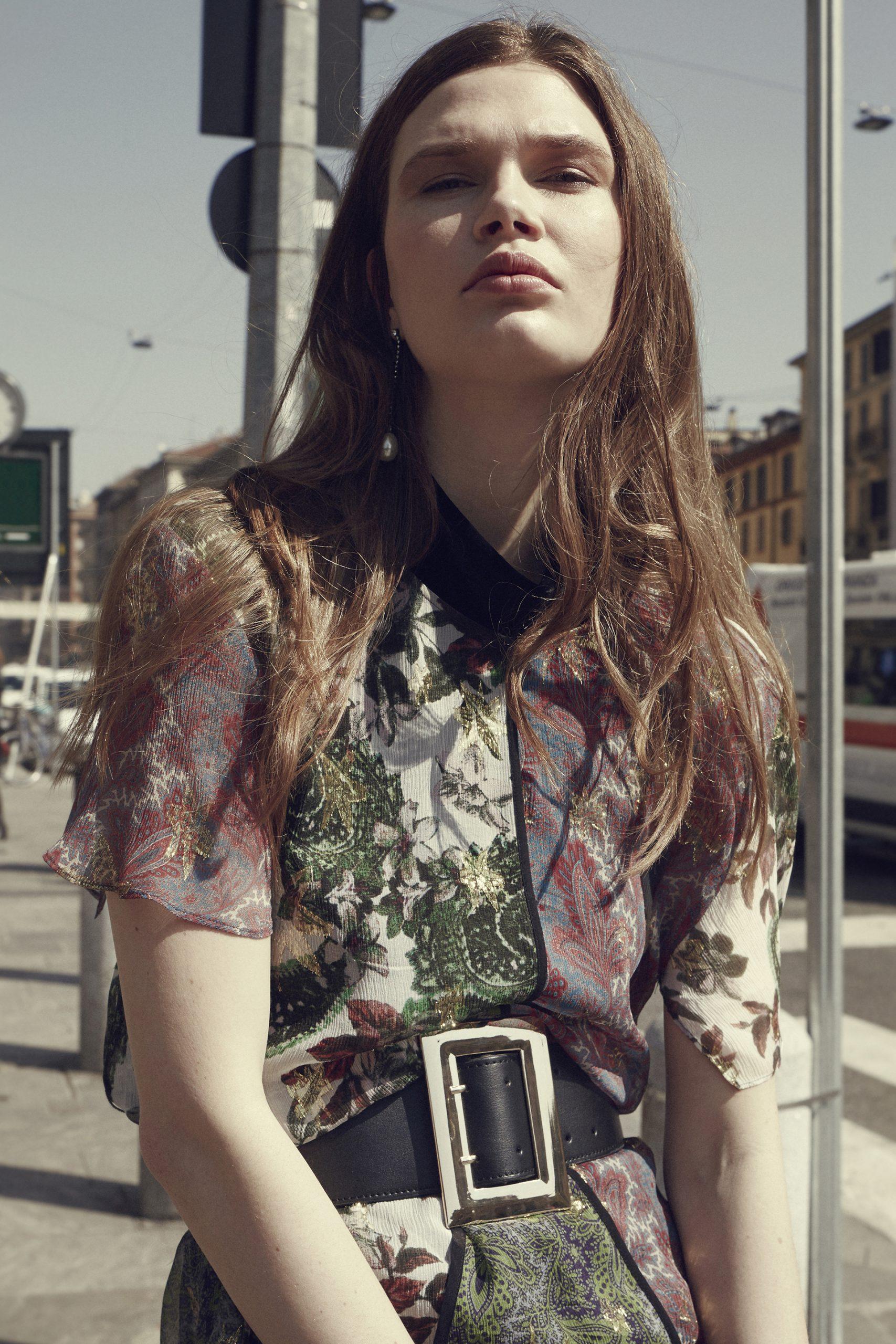 editoriale moda, the fashion atlas, styling, mirko pedone, calze, fiori,