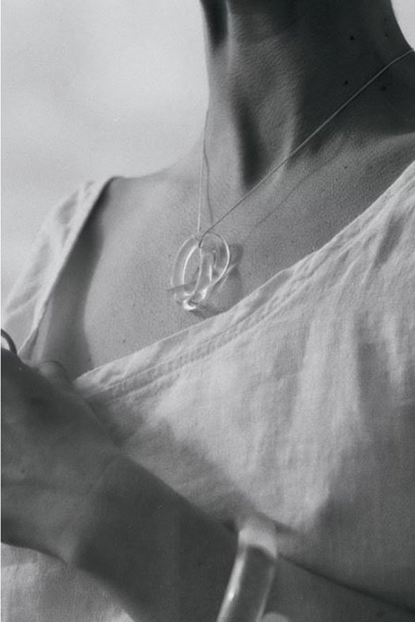 Corey Moranis accessori moda plexiglass