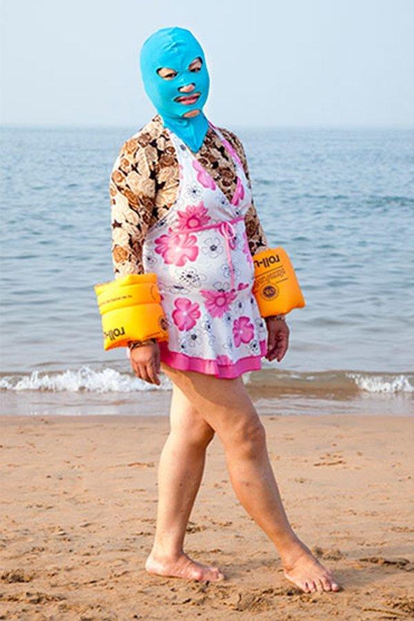 Facekini Philipp Engelhorn tedenza abbronzatura spiaggia Cina
