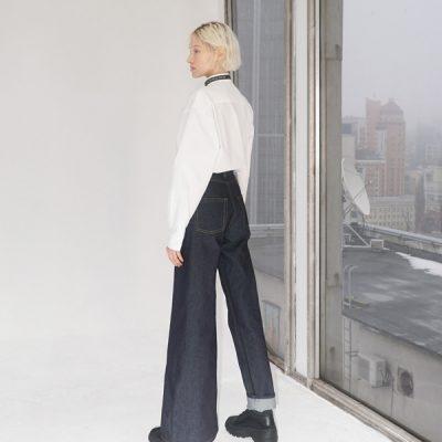 Ksenia Schnaider // jeans asimmetrici