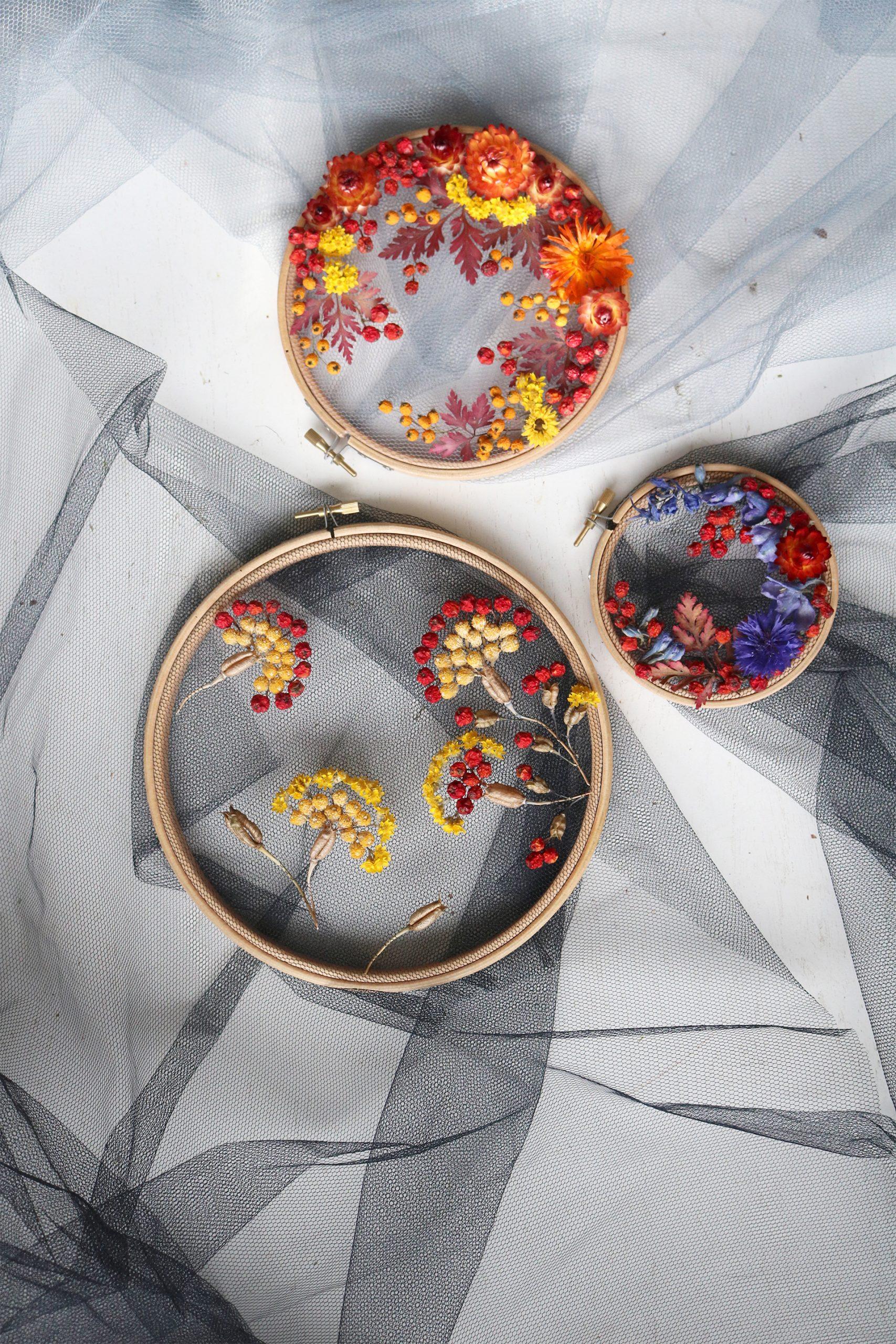Intervista Olga Prinku, creatrice ricami in tulle, fiori secchi, composizione
