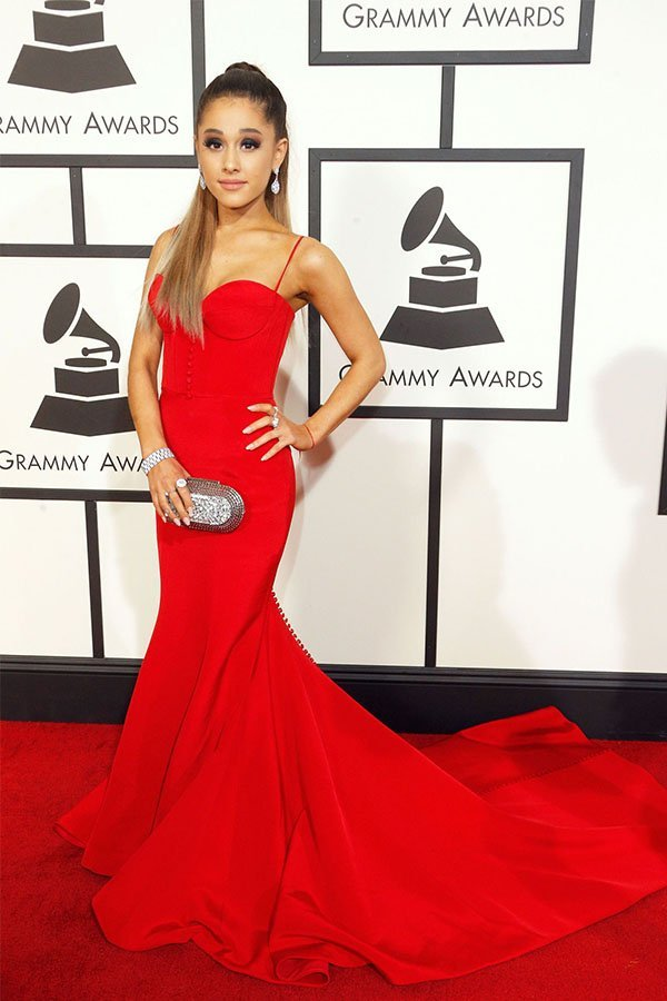 Ariana Grande, red dress