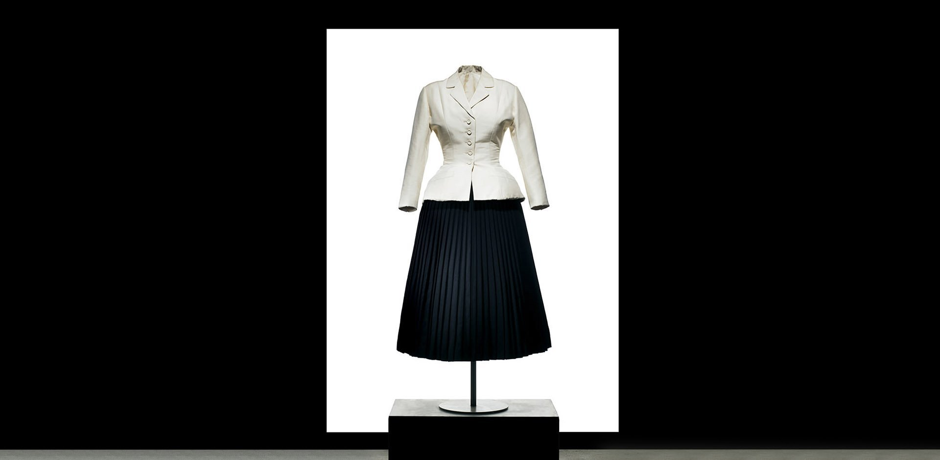bar jacket, storia, christian dior,