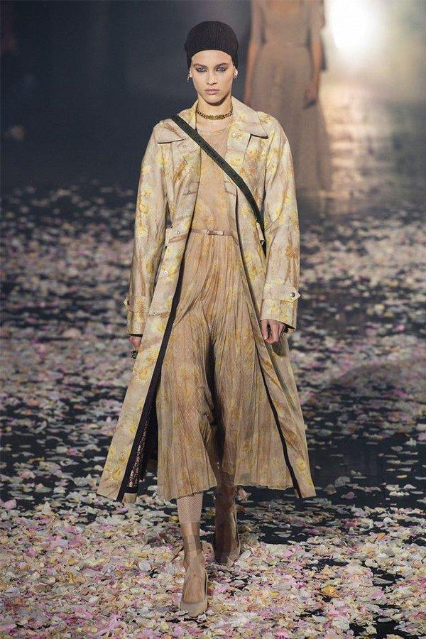 Dior spring 2019, trend coat