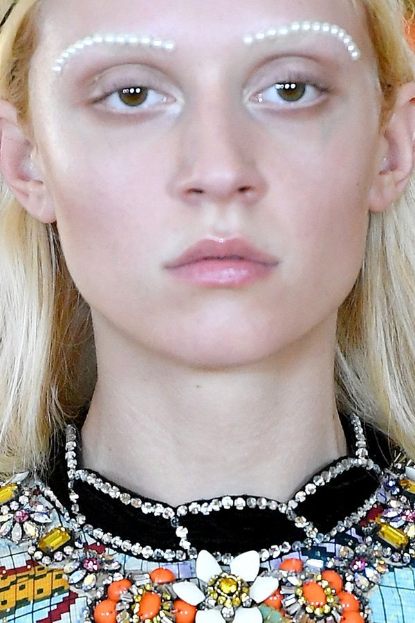 Make-up pearl