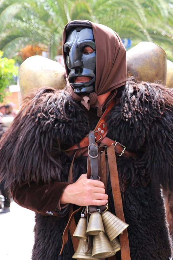 Mammuthones Sardegna maschera