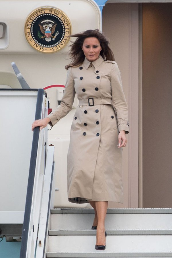 Melania Trump, trench outfit