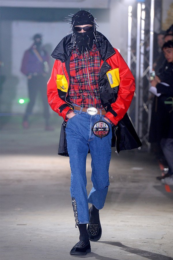 Palm angels mens fall 2018, maschera trend
