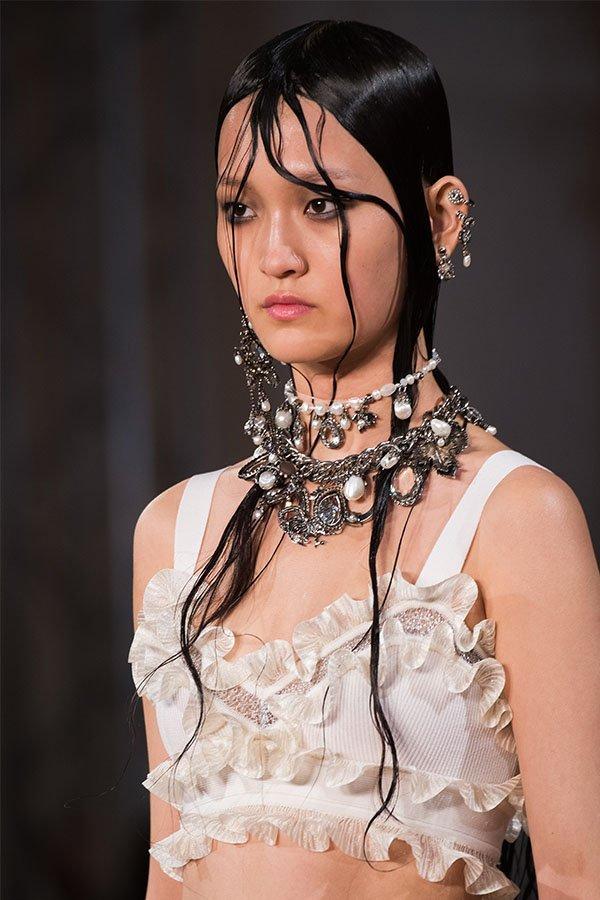 Storia delle perle, Alexander McQueen spring-summer 2018
