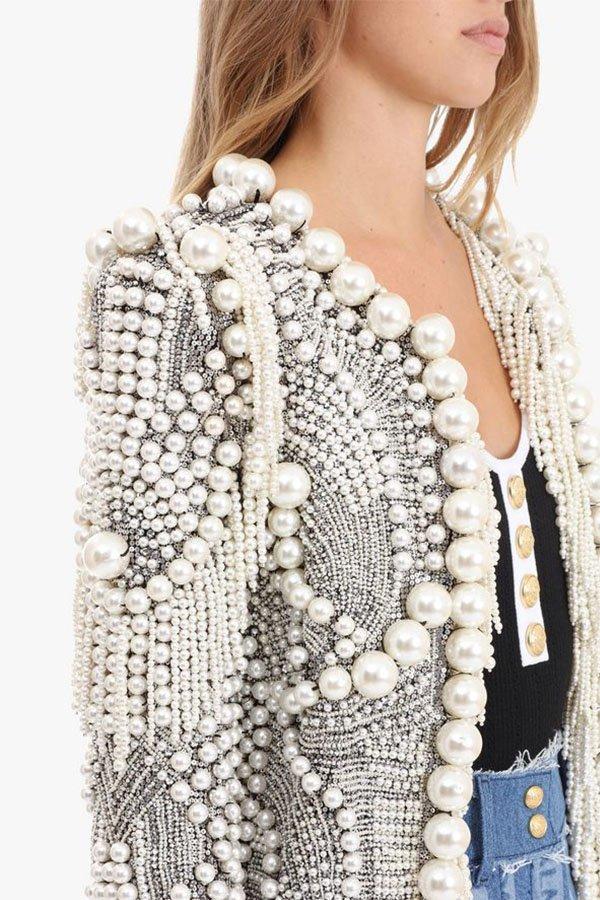 Storia delle perle, Balmain