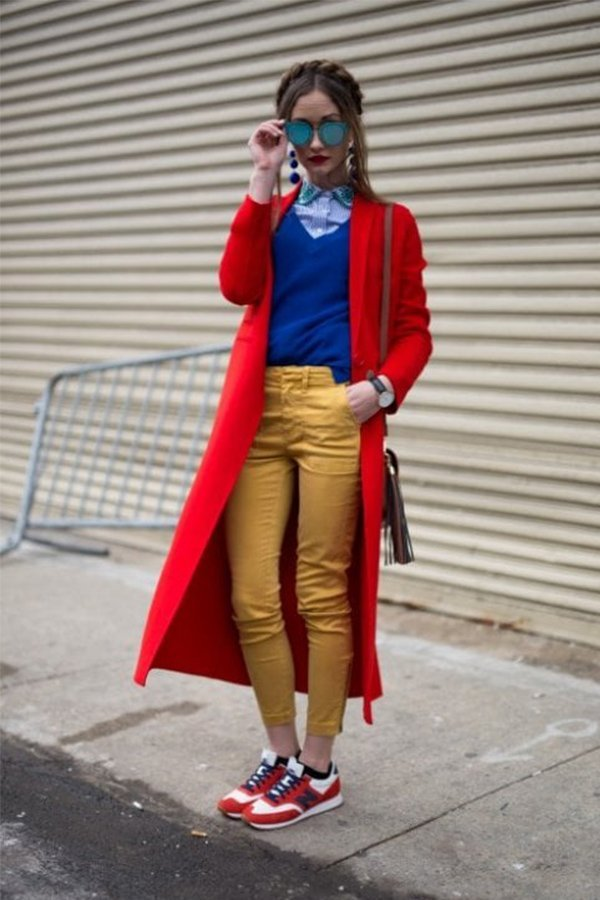 Trend red, street-style