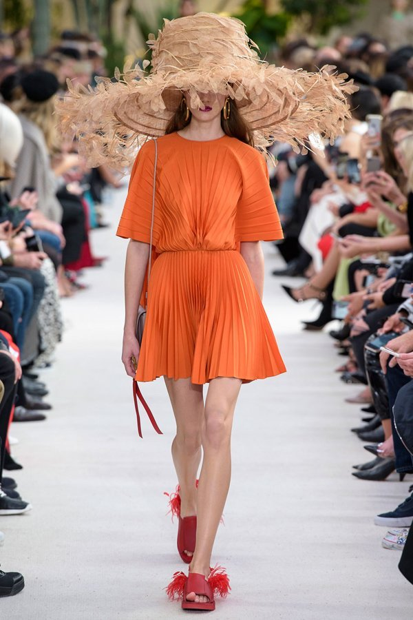 valentino, spring summer 19, arancione, trend, colore tendenza, estate 2019,