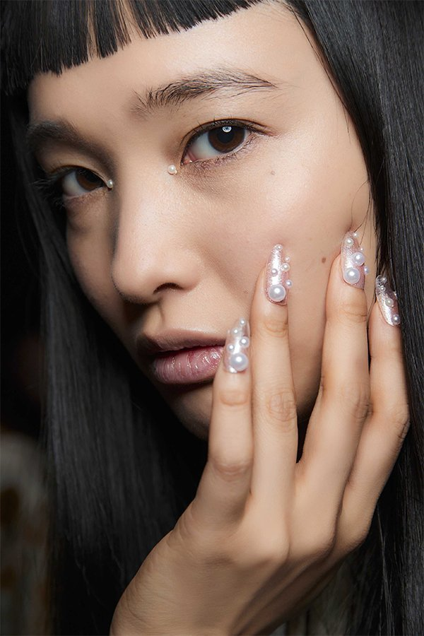 Nail art Adeam, pearls, FW 2019