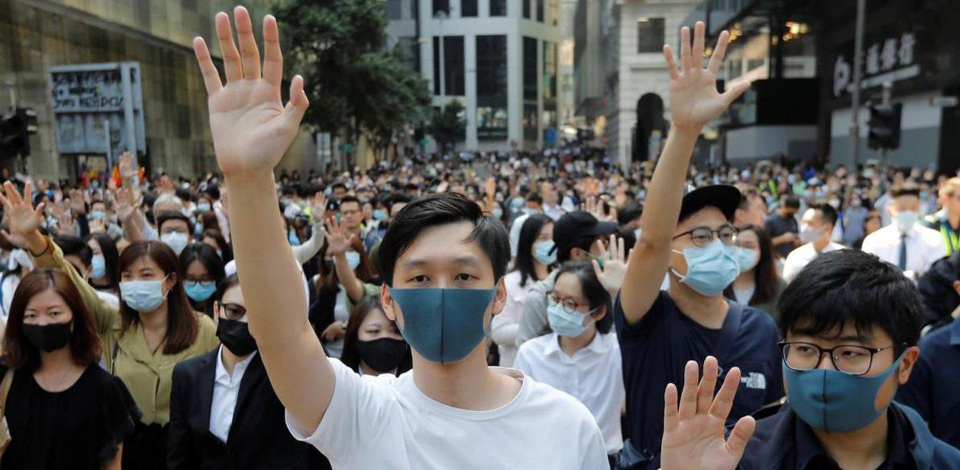 Mascherina accessorio, protesta anti-cinese